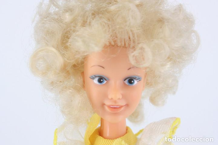 Otras Muñecas de Famosa: Darling modelo Primavera con vestido original - Famosa, 1984 - Foto 4 - 194357970