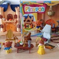 Otras Muñecas de Famosa: PINYPON LA BELLA Y LA BESTIA DE FAMOSA AÑO 2002 CASI COMPLETO . Lote 194787776
