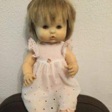 Otras Muñecas de Famosa: NENUCA DE FAMOSA AÑOS 70 IRIS MARGARITA ROPA ORIGINAL. Lote 194882852
