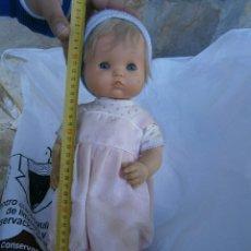 Otras Muñecas de Famosa: MUÑECA FAMOSA¡¡CON ROPA. Lote 196801785