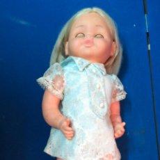 Otras Muñecas de Famosa: MUÑECA AUTÓMATA LUCHY, AÑOS 60. FUNCIONANDO.. Lote 205283423