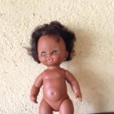 Otras Muñecas de Famosa: MUÑECA BEBE NEGRITA CURRINA DE FAMOSA. Lote 205448820