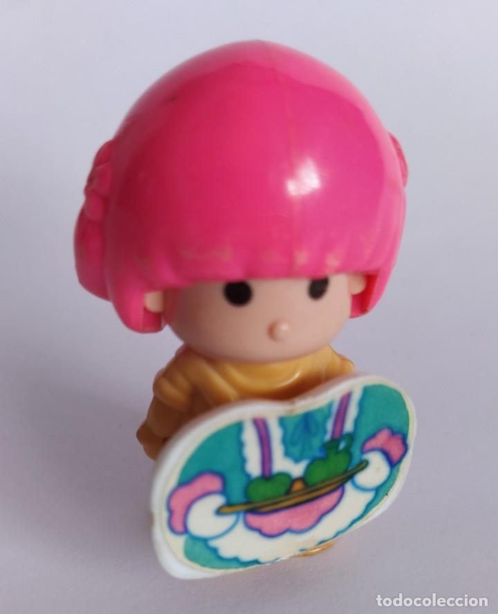 Otras Muñecas de Famosa: Pinypon muñeca con accesorio de ropa de doncella. PinyPon antiguo vintage de los 80 Famosa - Foto 8 - 205600231