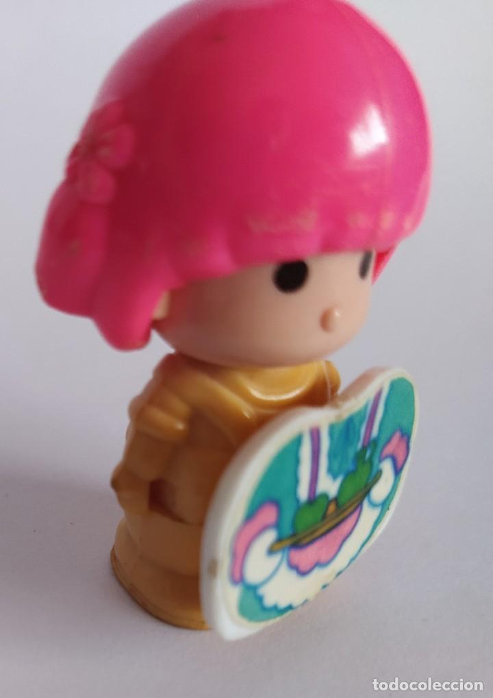 Otras Muñecas de Famosa: Pinypon muñeca con accesorio de ropa de doncella. PinyPon antiguo vintage de los 80 Famosa - Foto 9 - 205600231