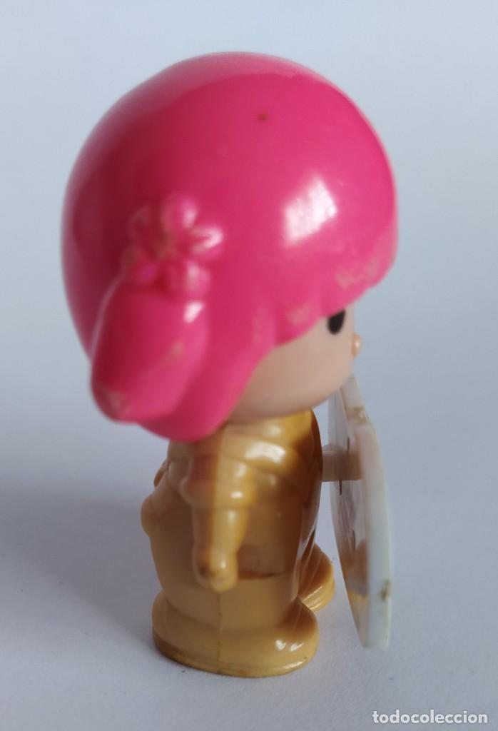 Otras Muñecas de Famosa: Pinypon muñeca con accesorio de ropa de doncella. PinyPon antiguo vintage de los 80 Famosa - Foto 11 - 205600231