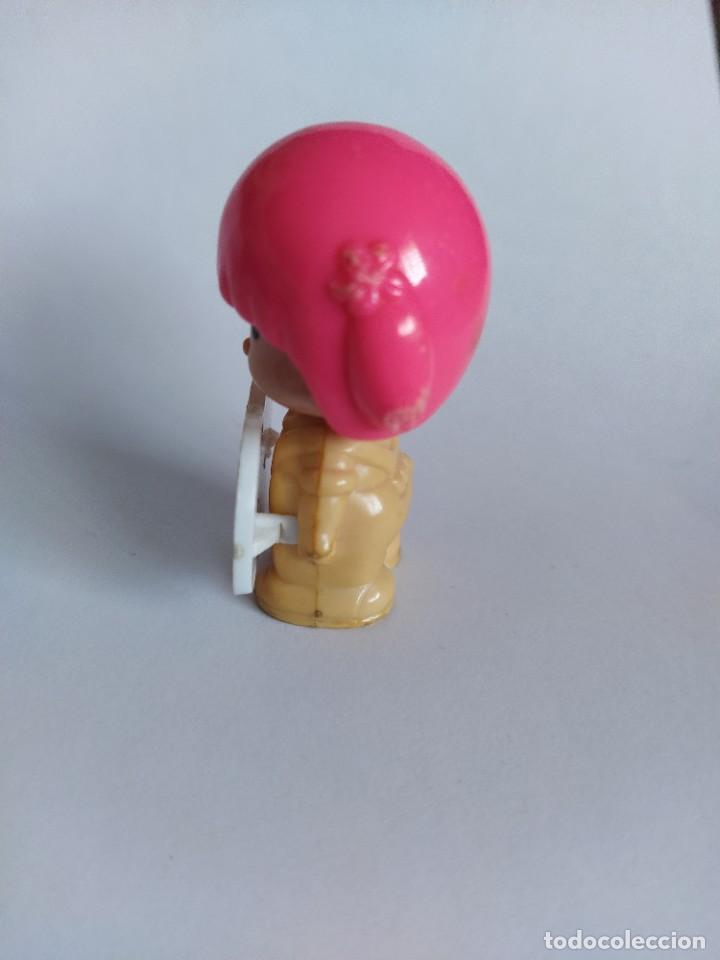 Otras Muñecas de Famosa: Pinypon muñeca con accesorio de ropa de doncella. PinyPon antiguo vintage de los 80 Famosa - Foto 14 - 205600231