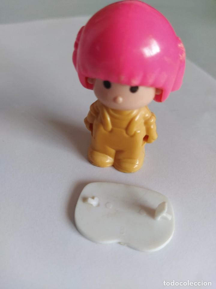 Otras Muñecas de Famosa: Pinypon muñeca con accesorio de ropa de doncella. PinyPon antiguo vintage de los 80 Famosa - Foto 16 - 205600231