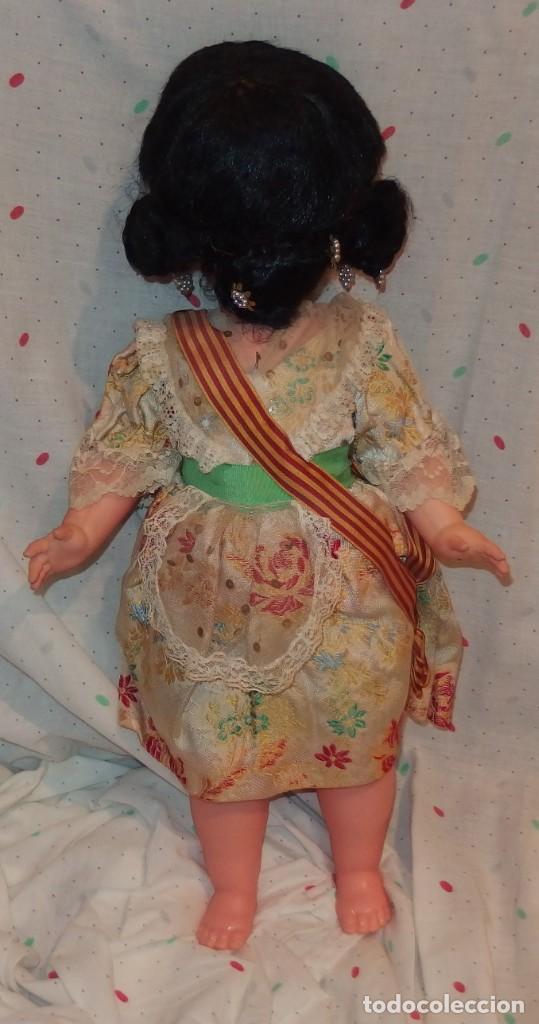 Otras Muñecas de Famosa: TRAJE DE VALENCIANA FALLERA DE GRACIELA DE FAMOSA DE 50 CMS DE ALTURA,AÑOS 60 - Foto 2 - 206869875