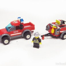 Otras Muñecas de Famosa: SET LEGO REF 7942 - TODOTERRENO DE BOMBEROS CON REMOLQUE. Lote 207106758