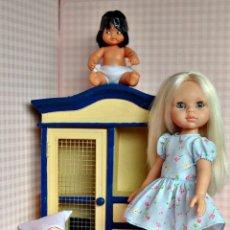 Otras Muñecas de Famosa: MUEBLE PARA MUÑECAS LESLY, NANCY, BARRIGUITAS.... Lote 207456483