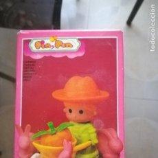 Otras Muñecas de Famosa: PIN Y PON REF. 2241 COMPLETO + UN GRANJERO DE REGALO, CON SU CAJA ORIGINAL.. Lote 209336295