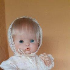 Otras Muñecas de Famosa: MUÑECO NENUCO DE FAMOSA EN NUCA 69 CON CONJUNTO DE BAUTISMO NO ORIGINAL. Lote 213581686