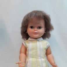 Otras Muñecas de Famosa: MUÑECA SABELA HABLADORA DE LA CASA FAMOSA AÑOS 60 MEDIDA DE ALTA 53 CM. ROPA ORIGINAL. EL MECANISMO. Lote 214990737