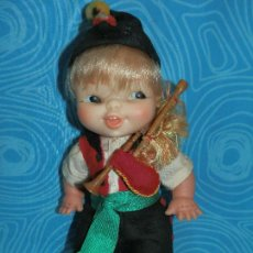 Otras Muñecas de Famosa: MUÑECO FAMOSA REGIONAL GALLEGO. Lote 218421923