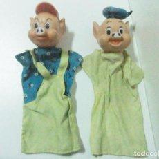 Otras Muñecas de Famosa: LOTE 2 CERDITOS MUÑECOS GUIÑOL FAMOSA MADE IN SPAIN - MARIONETAS TÍTERES CUENTO INFANTIL LOS 3. Lote 218965980