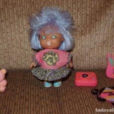 Otras Muñecas de Famosa: PRIMITOS DE FAMOSA,LA ROCKERA,CON TODOS SUS ACCESORIOS,AÑO 1992. Lote 220689200