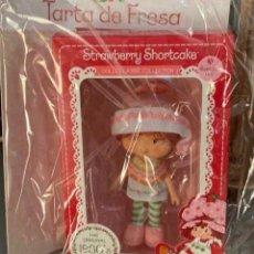 Otras Muñecas de Famosa: MUÑECA TARTA DE FRESA NUM 24. Lote 222317553