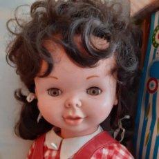 Otras Muñecas de Famosa: MUÑECA DE FAMOSA, MÁS GRANDE QUE CORISA.. Lote 222641630