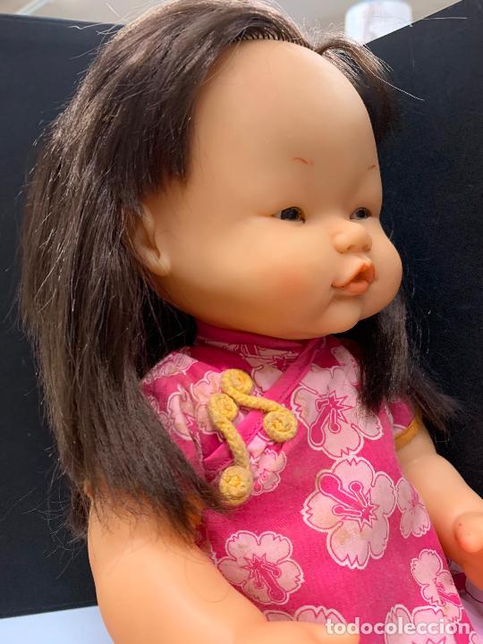 Otras Muñecas de Famosa: Preciosa muñeca Nenuco oriental, con vestido original. mide unos 37cms de largo - Foto 2 - 224379477