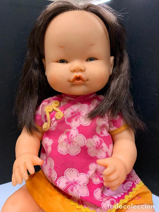 Otras Muñecas de Famosa: Preciosa muñeca Nenuco oriental, con vestido original. mide unos 37cms de largo - Foto 3 - 224379477