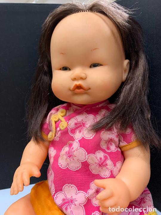 Otras Muñecas de Famosa: Preciosa muñeca Nenuco oriental, con vestido original. mide unos 37cms de largo - Foto 4 - 224379477