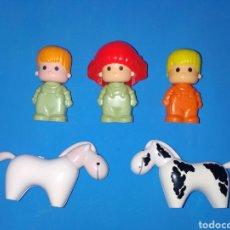 Otras Muñecas de Famosa: LOTE 3 MUÑECOS Y DOS CABALLOS PIN Y PON AÑOS 80. PINYPON. Lote 232181045