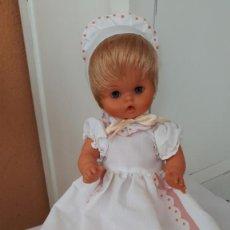 Otras Muñecas de Famosa: DUNIA DE FAMOSA CON SU CONJUNTO ORIGINAL. Lote 247236540