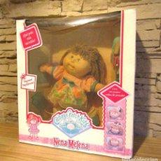 Otras Muñecas de Famosa: ANTIGUA MUÑECA CABBAGE PATCH KIDS: NENA MELENA - HASBRO - NUEVA Y EN SU CAJA ORIGINAL - NUNCA JUGADA. Lote 247352510