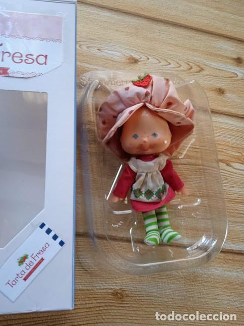 Otras Muñecas de Famosa: TARTA DE FRESA DE LOS 80: MUÑECA TARTA DE FRESA DE LA PRIMERA GENERACIÓN (MANOS PLANAS) - Foto 4 - 243227390