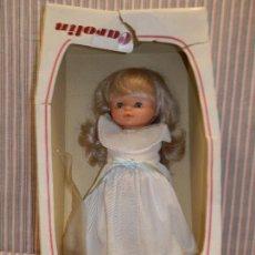 Otras Muñecas de Famosa: CAROLIN DE FAMOSA MUÑECA DE 40 CMS. Lote 252927160