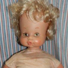 Otras Muñecas de Famosa: MUÑECA DE FAMOSA CUERPO BLANDO, OJOS IRIS MARGARITA COLOR MIEL. Lote 259229475