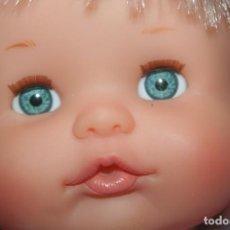 Otras Muñecas de Famosa: BONITA MUÑECA NENUCA CON SILLA. Lote 269142483