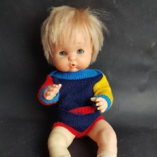 Otras Muñecas de Famosa: MUÑECO NENUCO DE FAMOSA AÑOS 80 CON CONJUNTO ARLEQUIN. Lote 270346593