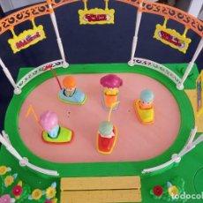 Otras Muñecas de Famosa: PIN Y PON - PISTA DE PATINAJE. Lote 271610768
