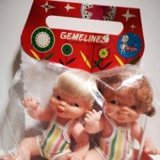 Otras Muñecas de Famosa: PAREJA DE MUÑECOS GEMELINES DE FAMOSA , SIN USAR OLD STOCK. Lote 277264838