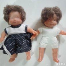 Otras Muñecas de Famosa: 2 MUÑECAS MELLIZAS DE FAMOSA T-58498 (17 Y 14CM). Lote 287250613