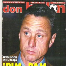 Coleccionismo deportivo: DON BALON Nº 1075 CRUYFF / POSTER COMPOSTELA / REAL MADRID. Lote 19229468
