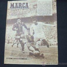 Coleccionismo deportivo: MARCA - Nº 776 - 15 OCTUBRE 1957 - PORTADA, GENTO EL MEJOR EXTREMO DE EUROPA - . Lote 26251739