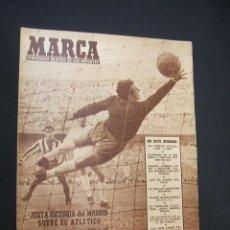 Collectionnisme sportif: MARCA - R. MADRID, HIBERNIAN, PARTIZAN Y DJURGARDEN, ADELANTE EN COPA DE EUROPA - 18 OCT. 1955 - . Lote 38869539