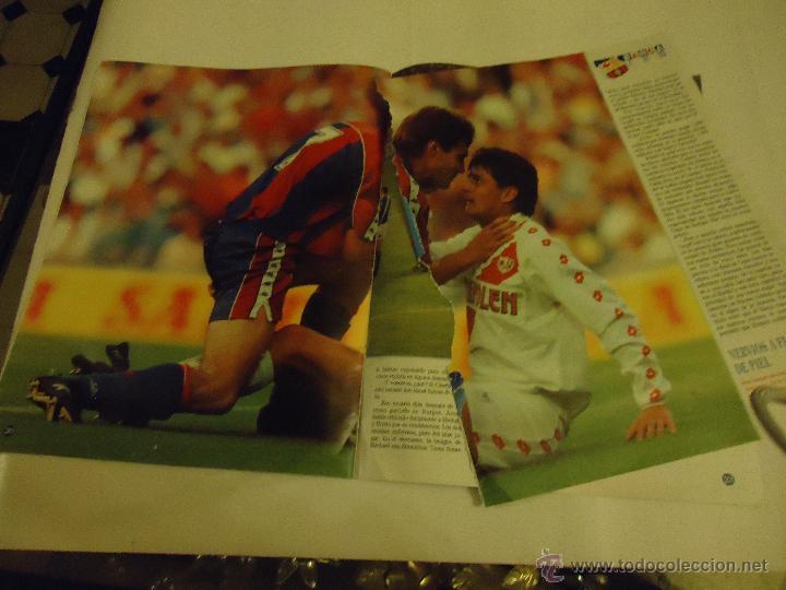 Coleccionismo deportivo: REVISTA BARCA FUTBOL CLUB BARCELONA TRICAMPEON . - Foto 7 - 46082857