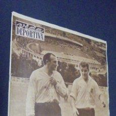 Coleccionismo deportivo: VIDA DEPORTIVA. Nº 636. 25 NOVIEMBRE 1957. KUBALA Y DISTÉFANO FACIL TRINFO EN SUIZA.. Lote 49195367