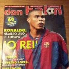 Coleccionismo deportivo: DON BALON Nº 1095 - 1996 - RONALDO FC BARCELONA - ESPECIAL MARADONA - POSTER ROBERTO CARLOS. Lote 49460186