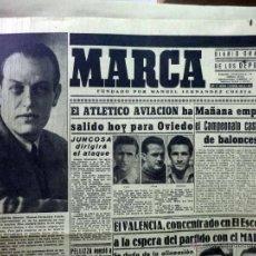Coleccionismo deportivo: PERIODICO DEPORTIVO MARCA, 8 DE OCTUBRE DE 1945, Nº 893, LUTO POR FERNANDEZ CUESTA, ATLETICO . Lote 49622075