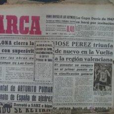 Coleccionismo deportivo: LOTE 200 PERIODICOS MARCA, FUTBOL, ANTIGUOS, AÑOS 40 Y POSTERIORES, . Lote 49756585