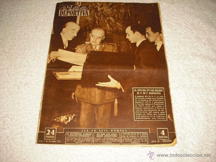 VIDA DEPORTIVA . DICIEMBRE 1952, EL JEFE DEL ESTADO RECIBIO AL C. DE F. BARCELONA (Coleccionismo Deportivo - Revistas y Periódicos - Vida Deportiva)