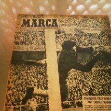 Coleccionismo deportivo: REVISTA DEPORTIVA MARCA NUM. 846 17 DE FEBRERO DE 1959. TRIUNFO MADRILEÑO. LEER. Lote 57254948