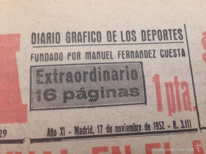 Coleccionismo deportivo: DIARIO MARCA 17 NOVIEMBRE 1952 FOTOS ATLETICO MADRID REAL MADRID EN EL METROPOLITANO TORRERO - Foto 2 - 59709775