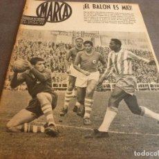 Coleccionismo deportivo: MARCA(24-10-61)ESPAÑOL 2 R.SOCIEDAD 2,PLUS ULTRA GOLEA CULTURAL LEONESA,COPA FERIAS ESPAÑA,MONTJUICH. Lote 61953980