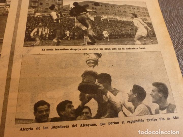 Coleccionismo deportivo: MARCA(2-1-62)R.MADRID 6 RACING 0,PEÑAROL CAMPEÓN INTERCONTINENTAL,JUAN CARLOS LORENZO,IGNACIO ZOCO. - Foto 14 - 62061960