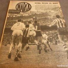 Coleccionismo deportivo: MARCA(16-1-62)!!CAMP NOU BARÇA 2 INTER 1!!LIGA 1ª DIV.7 EDICIONES MUNDIAL FUTBOL,ADELARDO(AT.MADRID). Lote 62066780